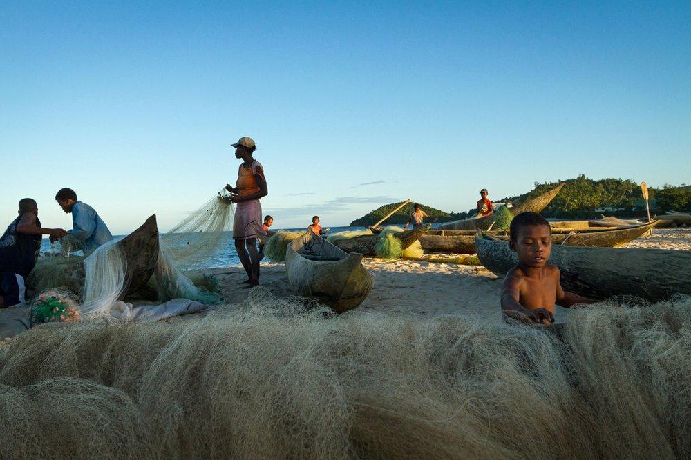 madagascar-fishermen-boats-nets.jpg