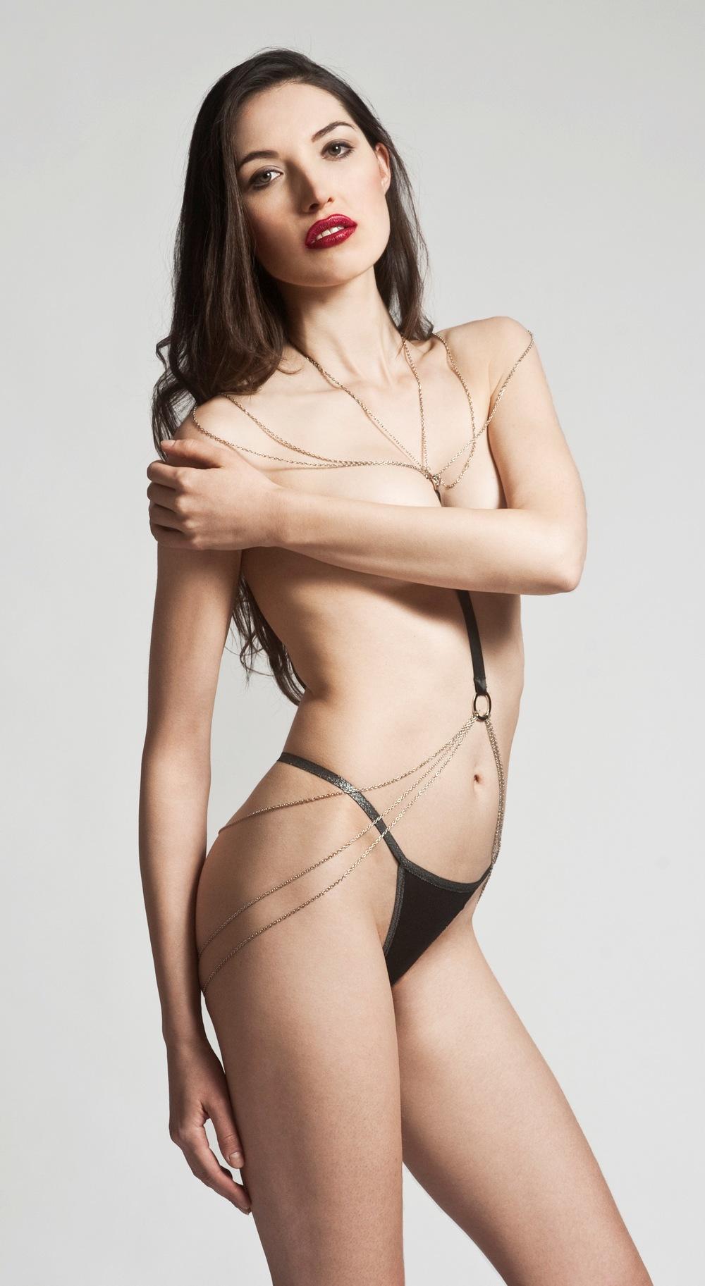 web_of_seduction_body_chain.jpg