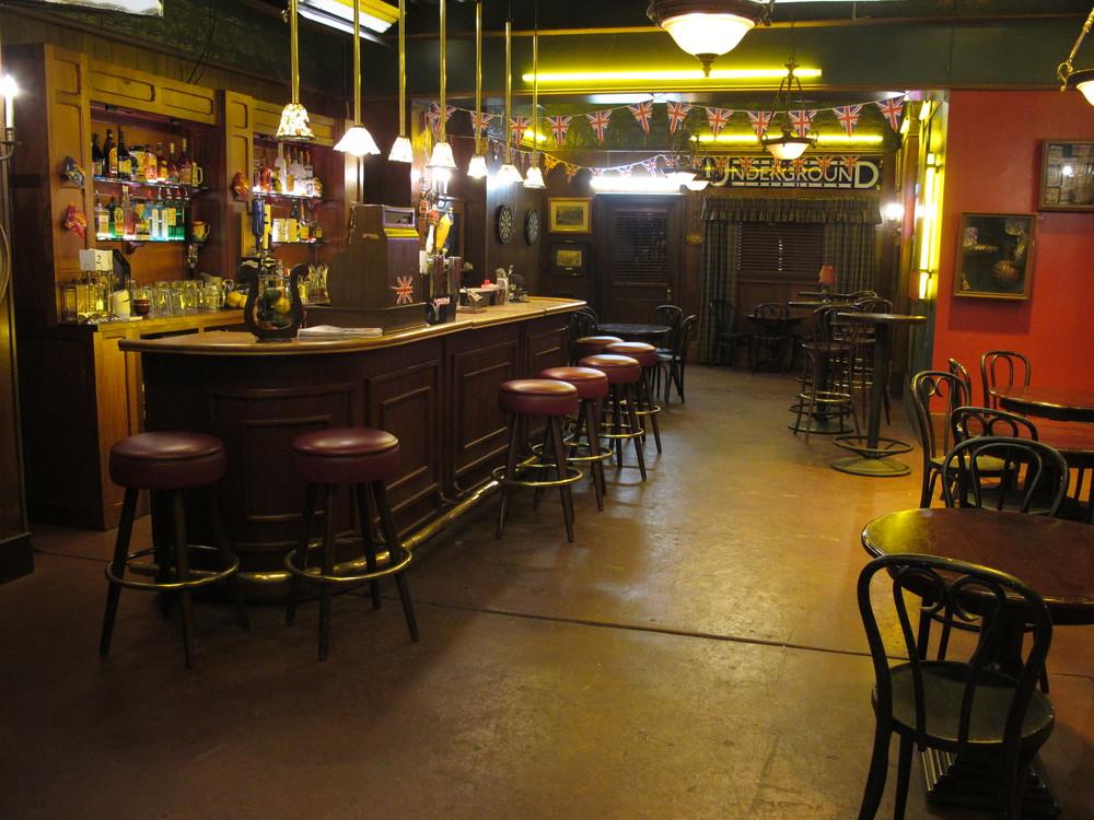 Pub 006.JPG