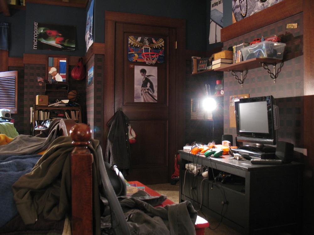 Mike's Bedroom 059.jpg