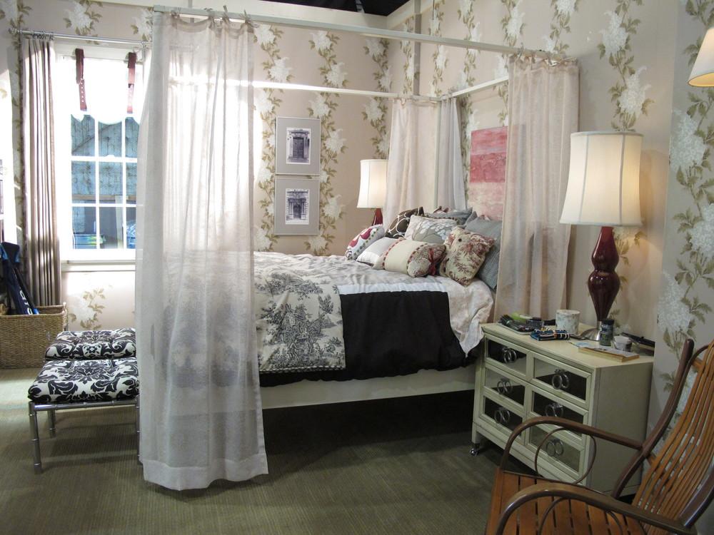 Spencer Bedroom, Season 4 002.jpg