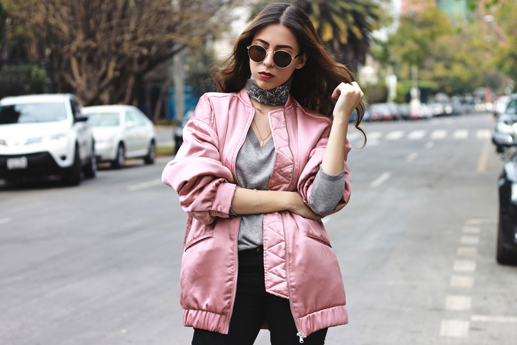 THE A LENS by Andrea Nahle BLOG STYLE A PINK BOMBER LIKE A PRO