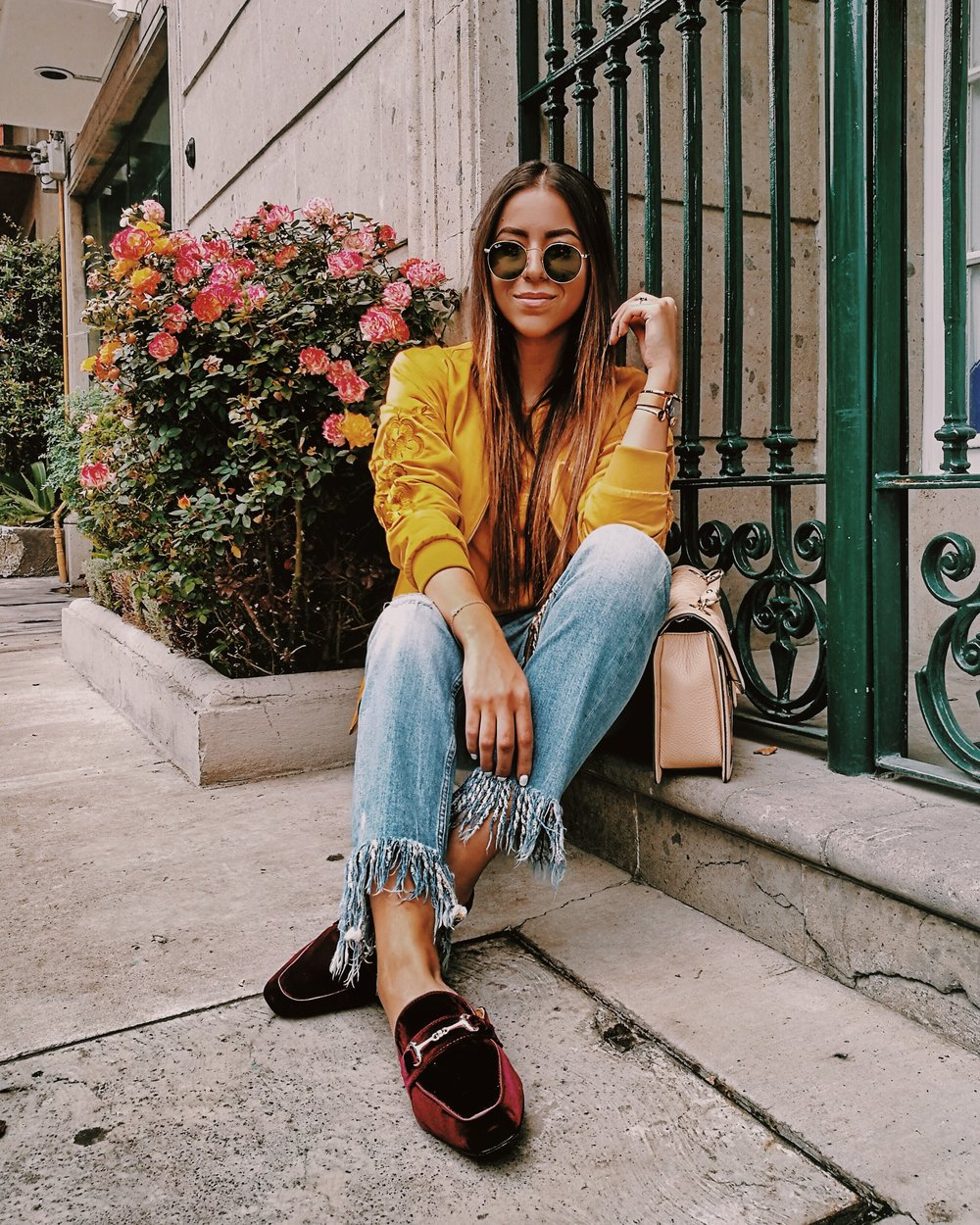 VELVET-LOAFFERS-YELLOW-BOMBER-JACKET-OUTFIT