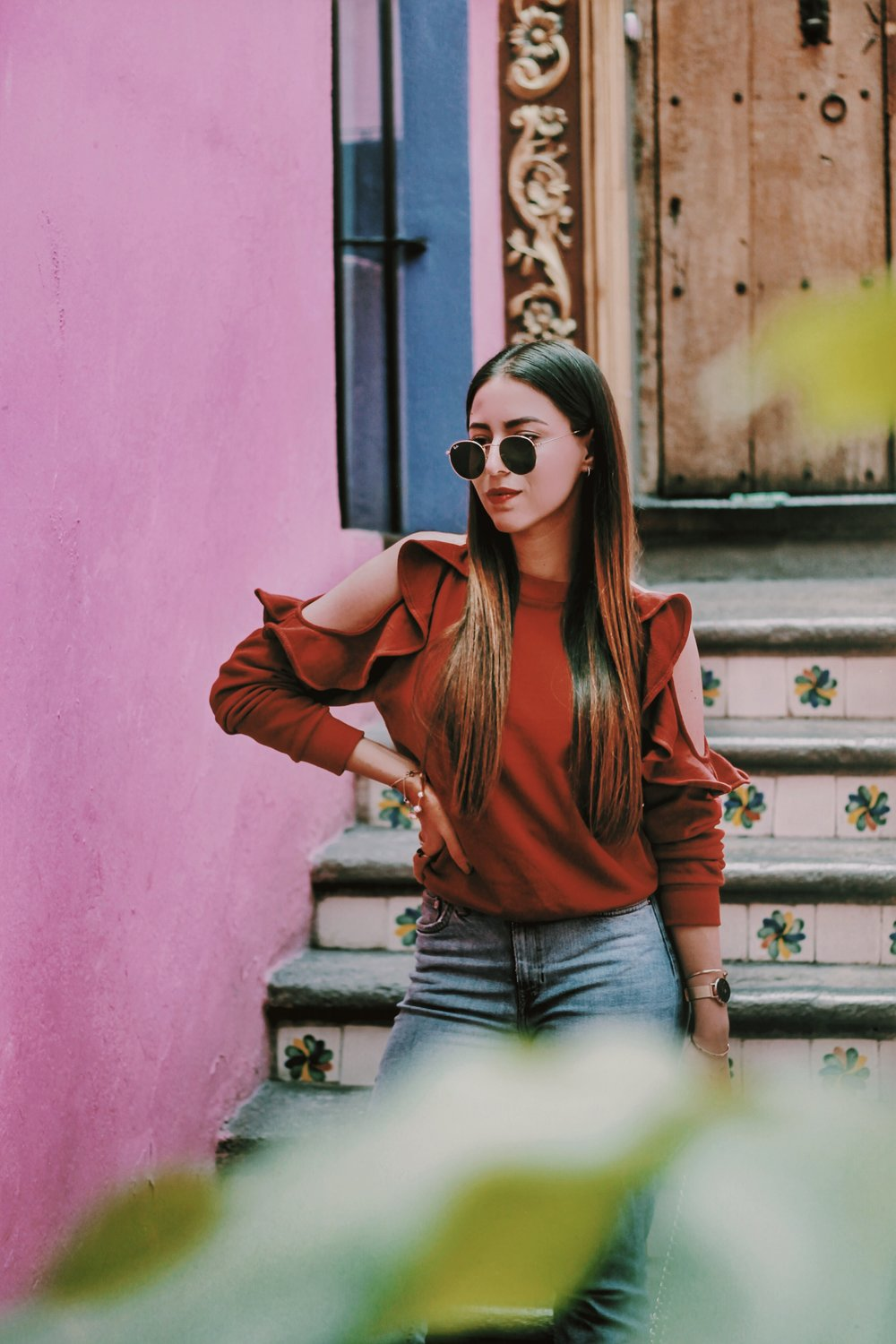 pink-walls-outfit