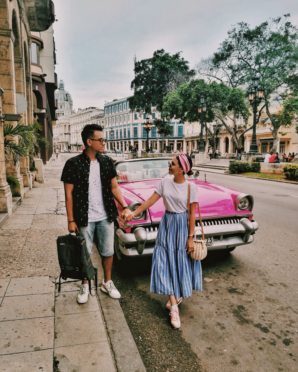 couple-photography-in-havana-cuba