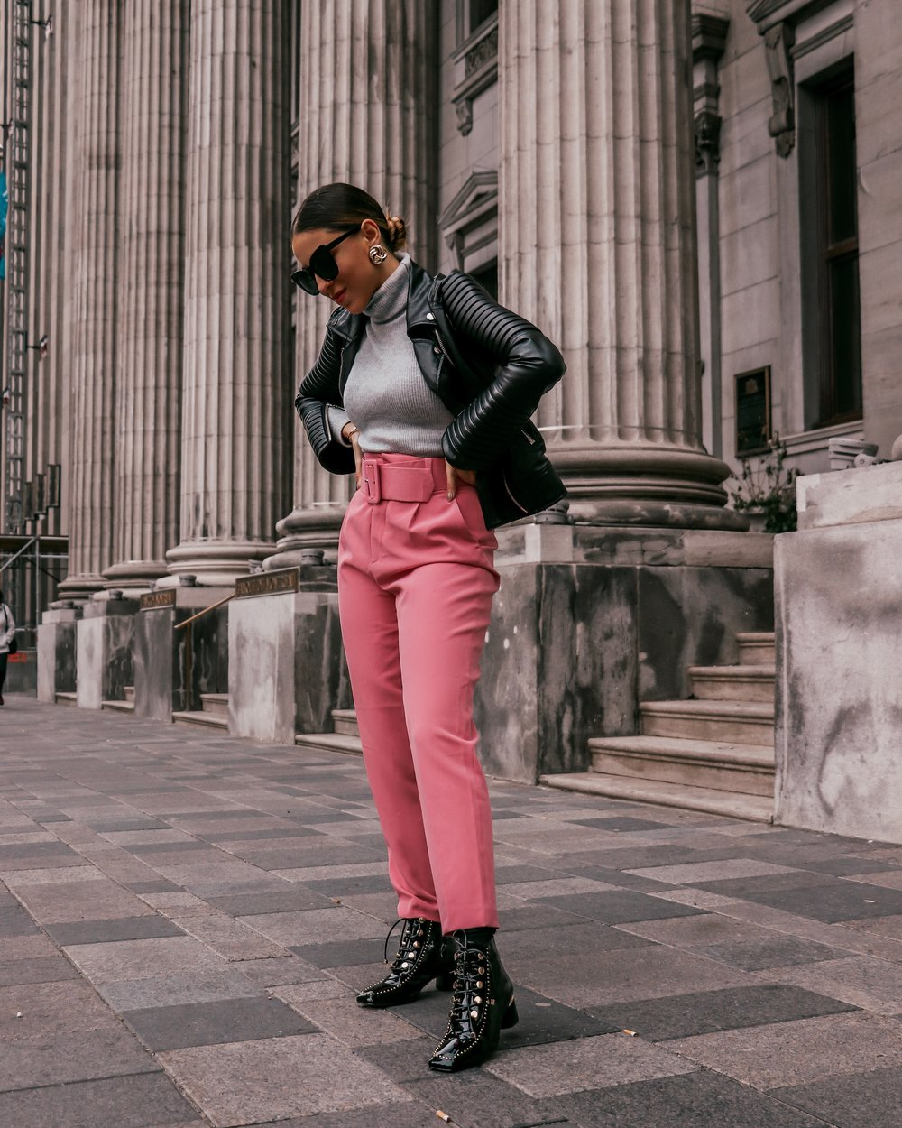 outfit for fall with pink pants.JPG