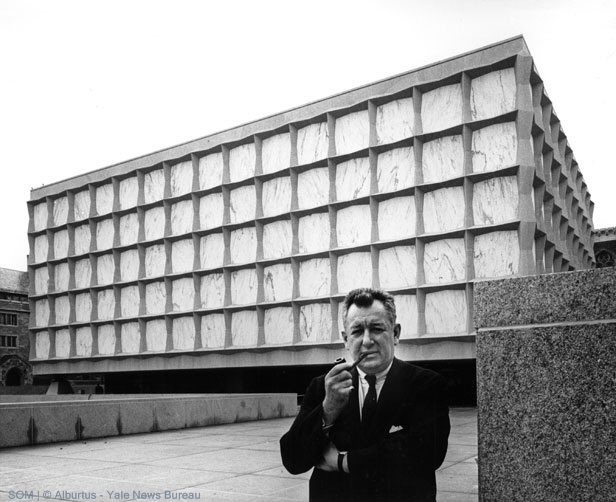 Gordon Bunshaft in front of the Beinecke
