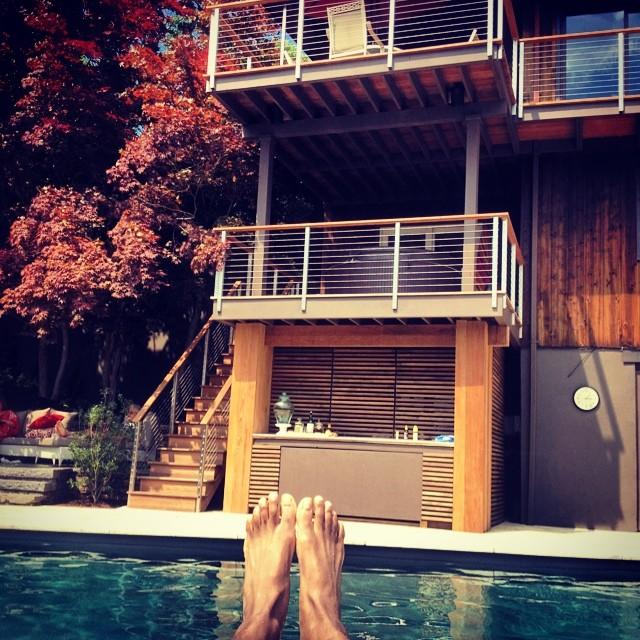 Happy Feet. #kooleyishigh #pool #crotonhudson #summertime #luxurylife #instagood