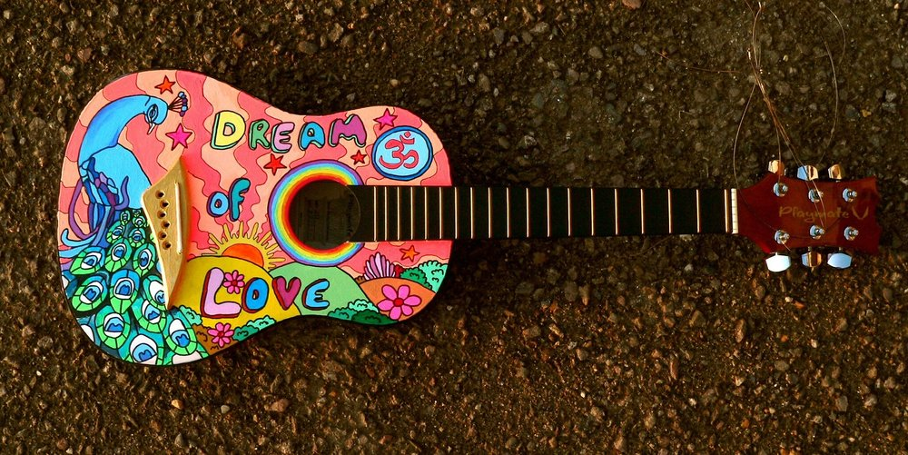 jacqueline_turner   This beautiful ukulele I found at last years  #yuccafest  I'm so sad I couldn't keep it! :(
