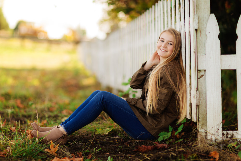 ariellanoellephotography-senior-portraits-highschool-portraiture-monroe-washington-seattle-duvall-woodinville-redmond-kirkland-area-1-3.jpg