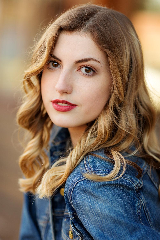 ariellanoellephotography-actor-headshot-modeling-portfolio-actress-seattle-area-washington-photographer-portraits-1-13.jpg