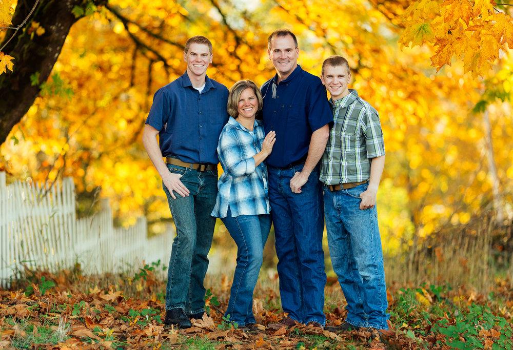 ariellanoellephotography-family-portraits-fall-mini-session-duvall-monroe-washington-seattle-redmond-woodinville-sammamish-area-1-18.jpg