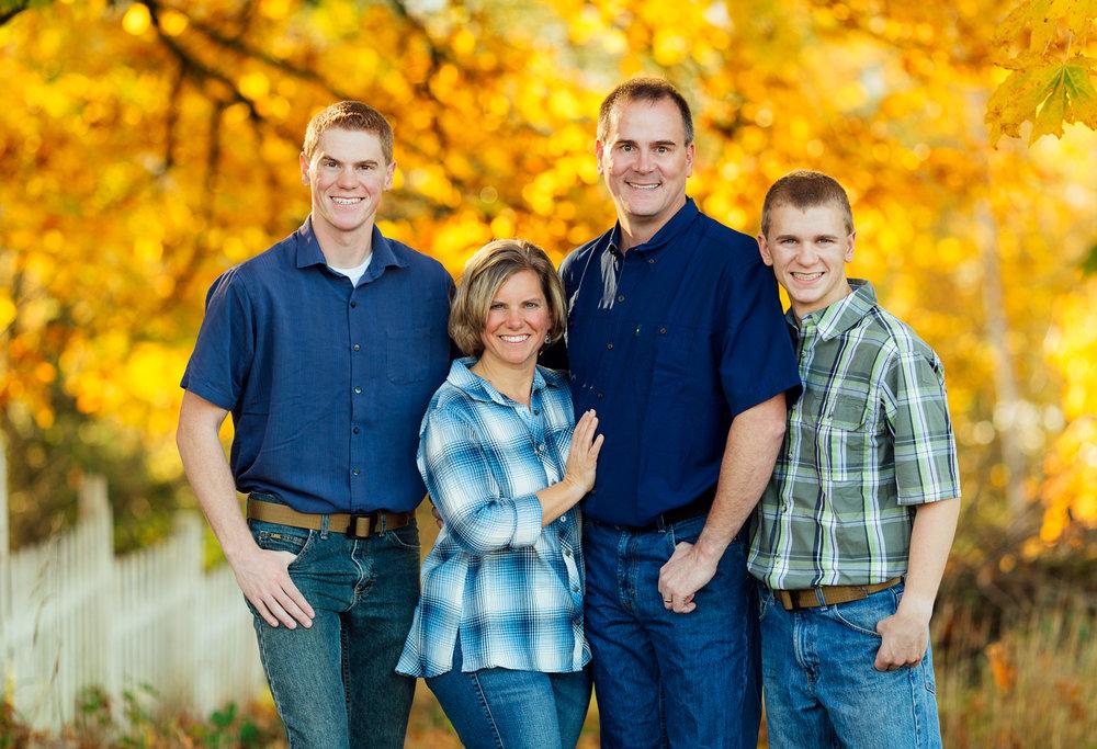 ariellanoellephotography-family-portraits-fall-mini-session-duvall-monroe-washington-seattle-redmond-woodinville-sammamish-area-1-17.jpg