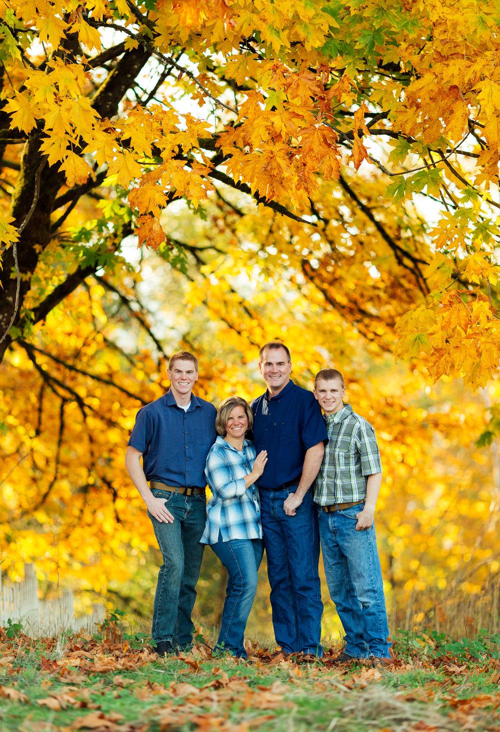 ariellanoellephotography-family-portraits-fall-mini-session-duvall-monroe-washington-seattle-redmond-woodinville-sammamish-area-1-19.jpg