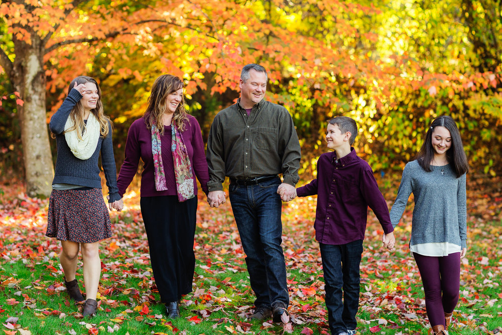 ariellanoellephotography-family-portrait-session-fall-mini-photographer-seniors-highschool-portraiture-child-photographer-1-3.jpg
