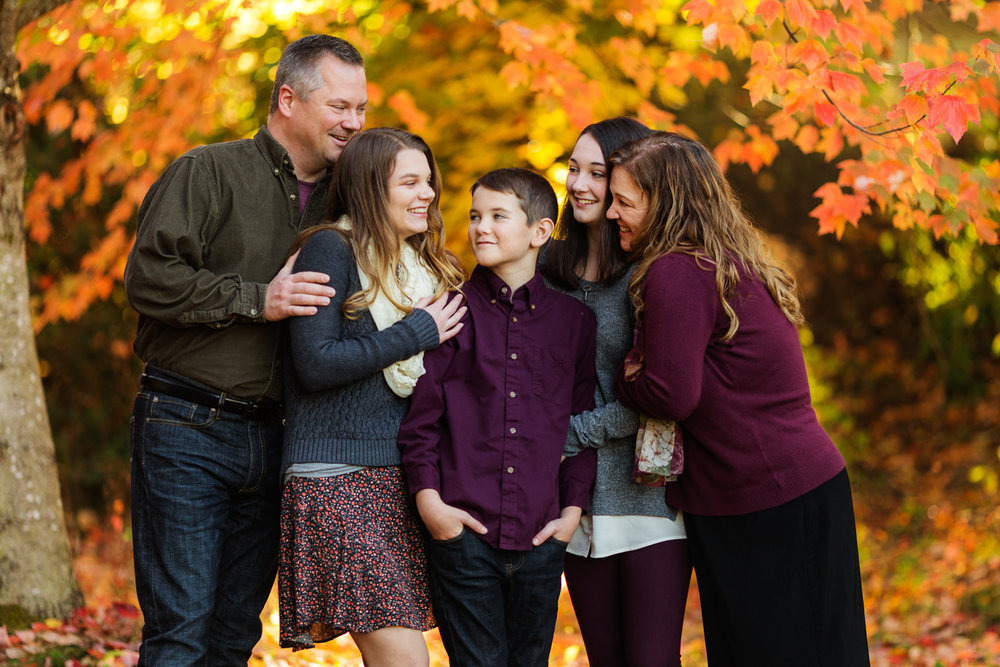 ariellanoellephotography-family-portrait-session-fall-mini-photographer-seniors-highschool-portraiture-child-photographer-1-4.jpg