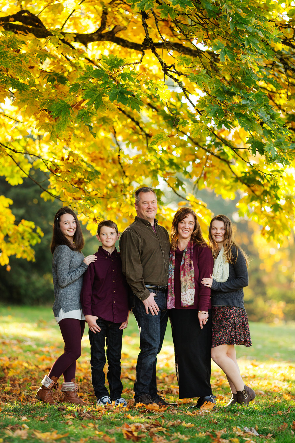 ariellanoellephotography-family-portrait-session-fall-mini-photographer-seniors-highschool-portraiture-child-photographer-1-8.jpg