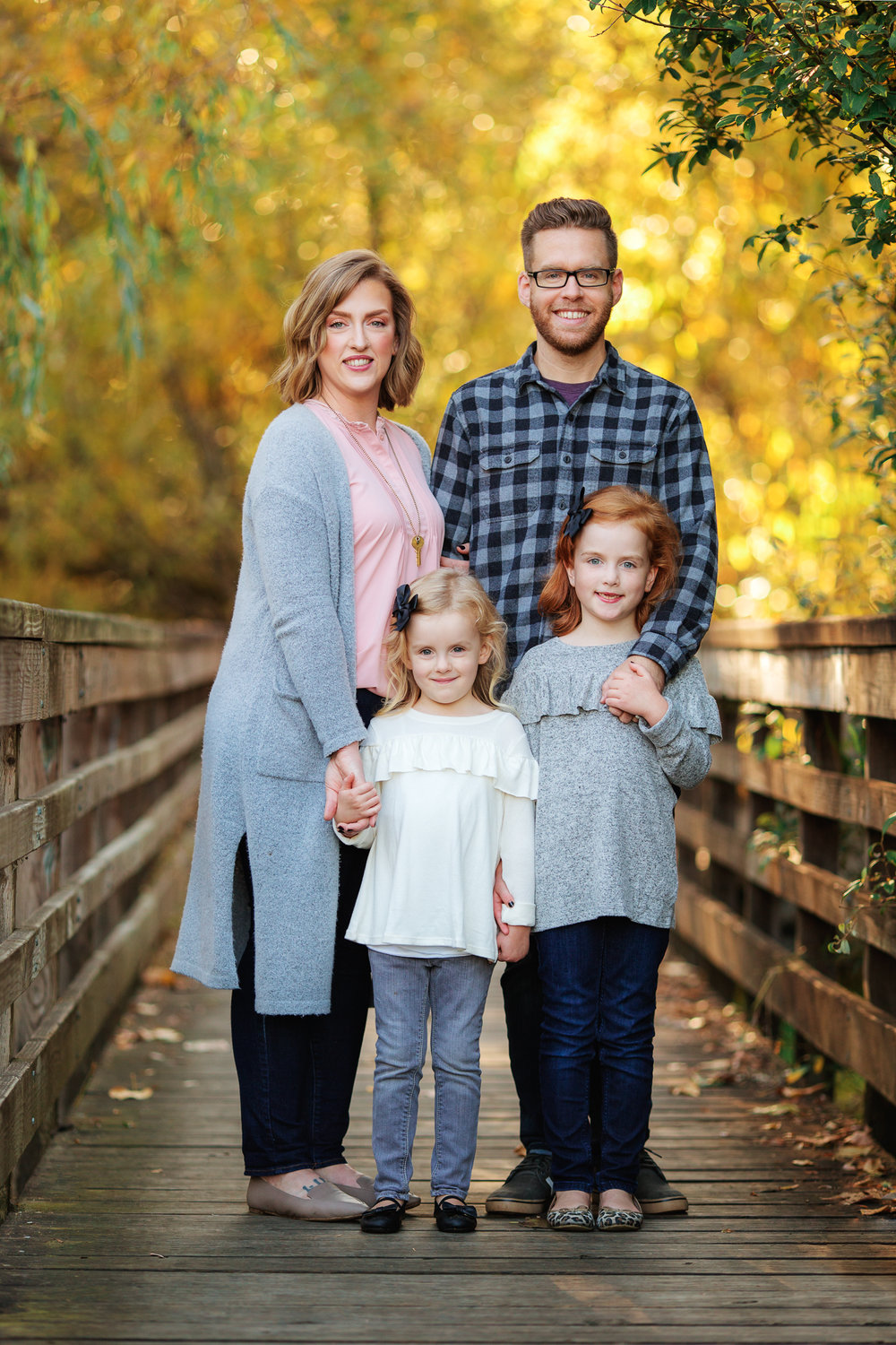 ariellanoellephotography-fall-family-portraits-seattle-monroe-area-family-photography-child-portraiture-highschool-seniors-bellevue-woodinville-lake-sammamish-redmond-1.jpg