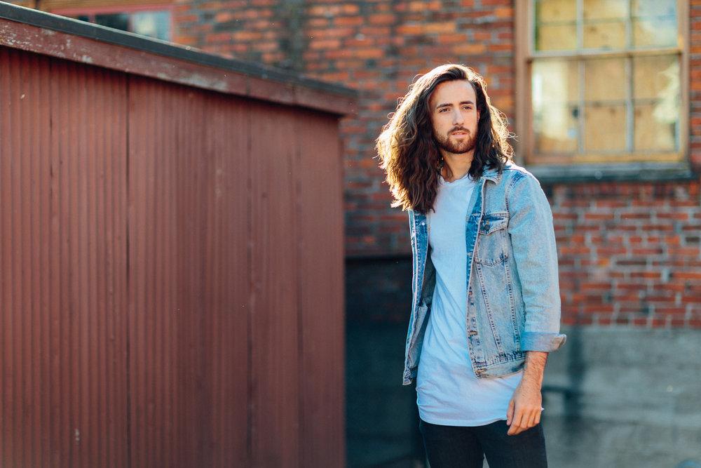 ariellanoellephotography-male-model-photoshoot-seattle-area-senior-guy-portraits-headshots-1.jpg
