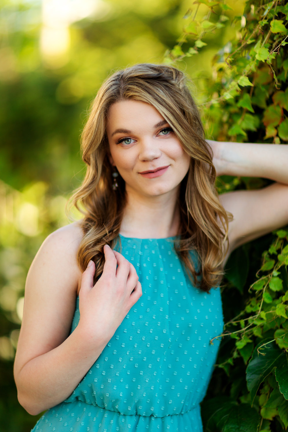 ariellanoellephotography-highschool-senior-portrait-photographer-seattle-area-bellevue-redmond-snohomish-duvall-woodinville-graduation-photos-1-9.jpg
