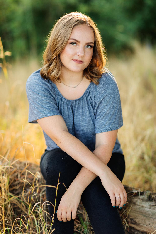 ariellanoellephotography-cedarcrest-highschool-class-of-2019-senior-portraits-seattle-area-portraiture-graduation-pictures-bellevue-WA-1-5.jpg