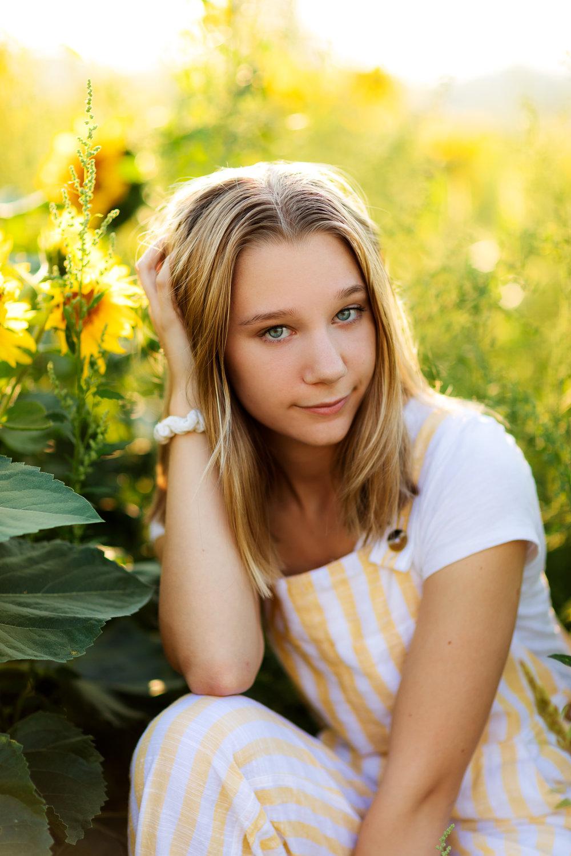 ariellanoellephotography-portraiture-highschool-senior-photos-top-seattle-area-photographer-1-2.jpg