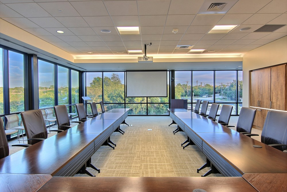Space for Every Occasion   Canyon View Event Center offers more than 7,500 square feet of meeting space, along with an attractive pre-function area and a large balcony with stunning vistas.