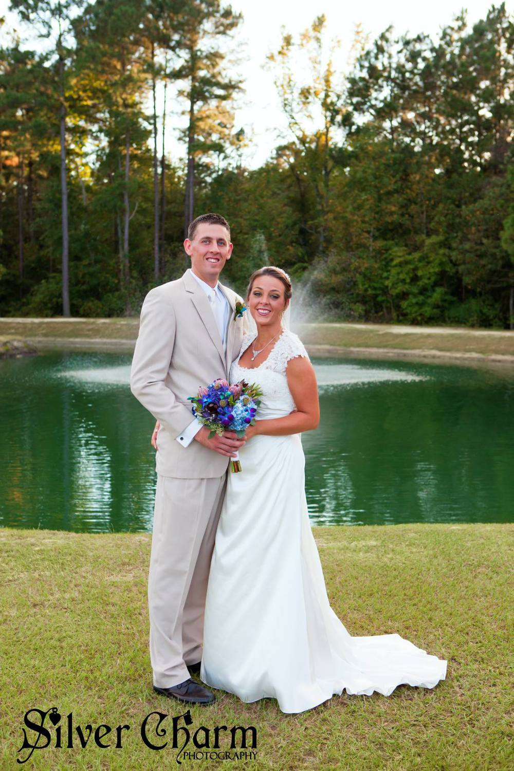 The Ceremony Pond at Hidden Acres | Silver Charm Photography