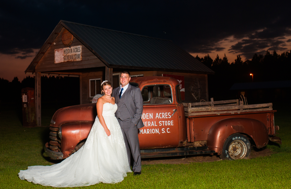 Hidden Acres Real Wedding Testimonial | Allison & Thomas Geddings | Photographs by Andrea