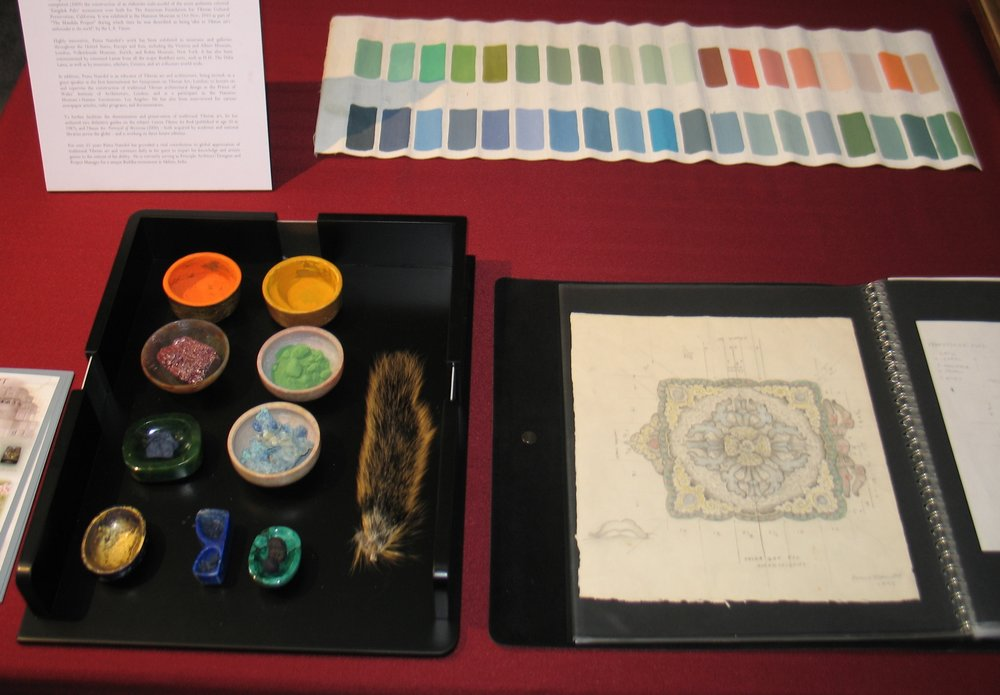 Art materials display