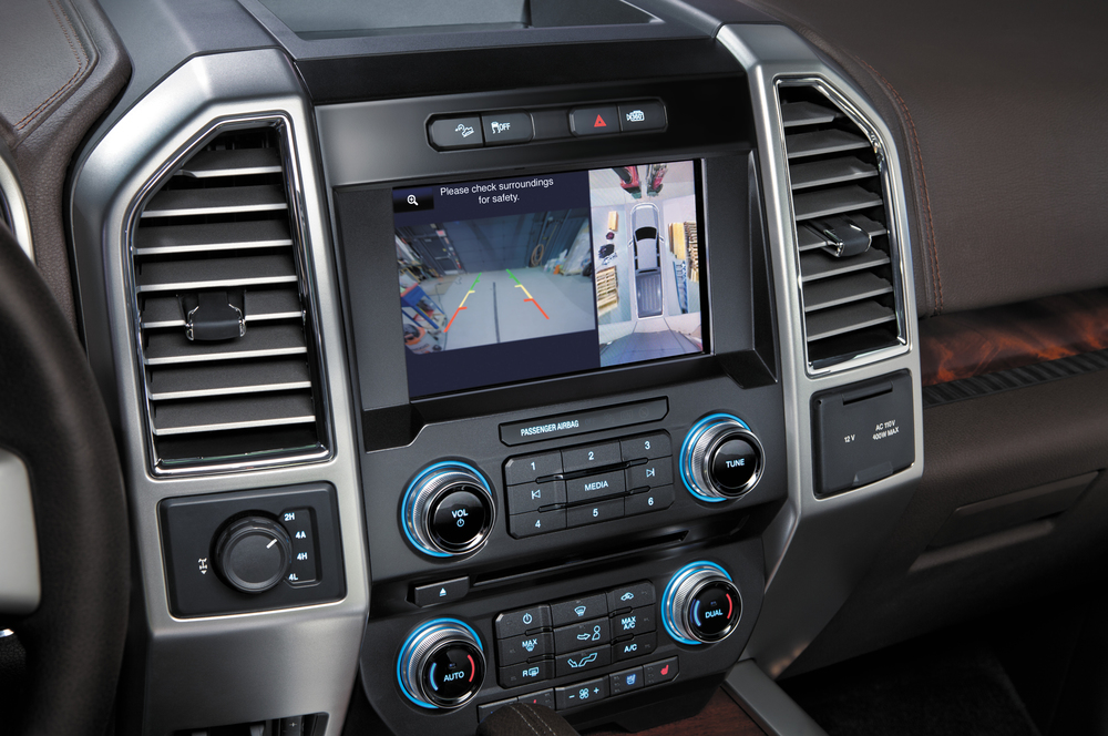 2015-Ford-F-150-rearview-camera3.jpg