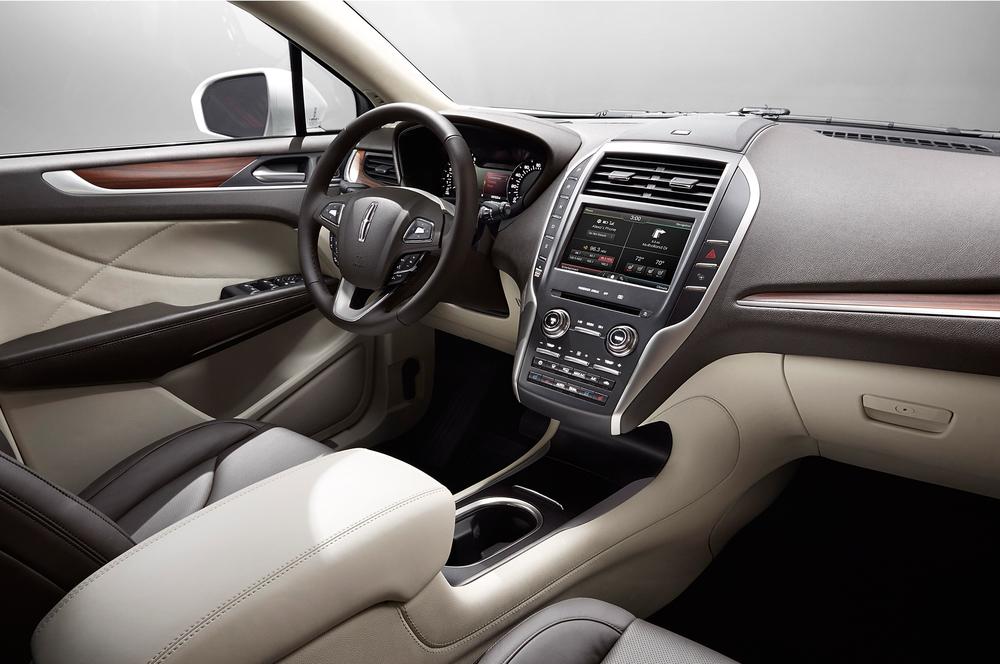 2015-Lincoln-MKC-interior.jpg