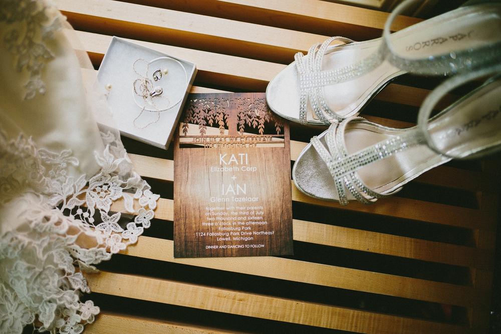 Kati-Ian-Preparations-Michigan-Wedding-Photographer-0294.jpg