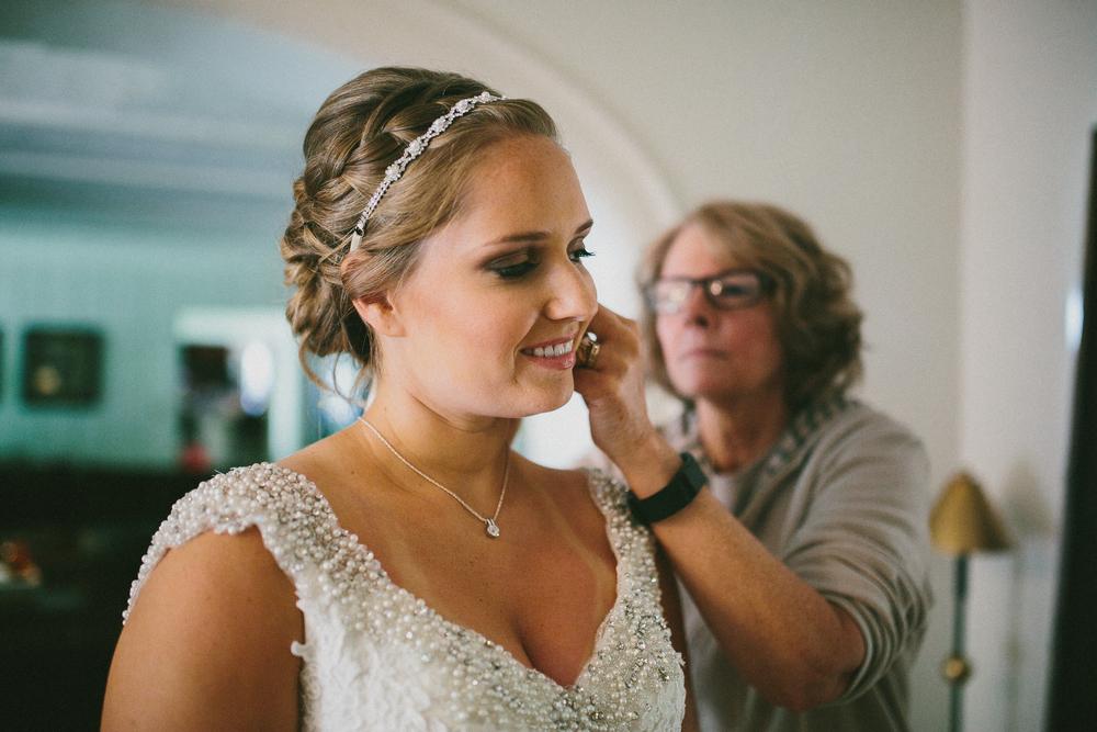 Kati-Ian-Preparations-Michigan-Wedding-Photographer-0435.jpg
