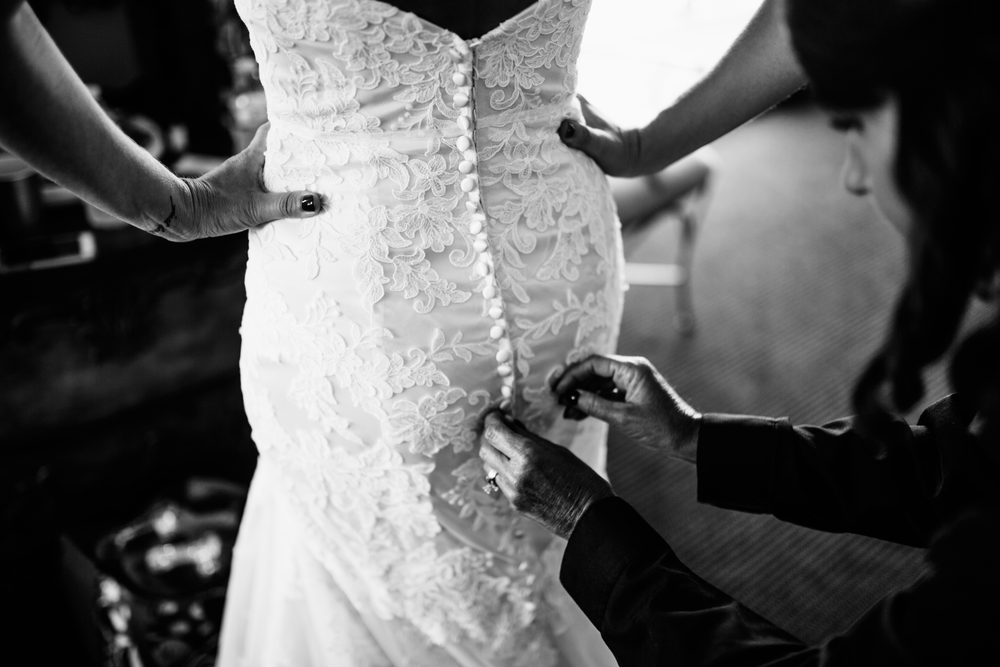 Melissa-Joe-Preparations-Michigan-Wedding-Photographer-4247.jpg