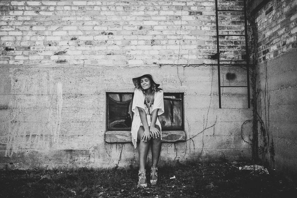 Chanel-Senior-Pictures-Michigan-Senior-Photographer-6056.jpg