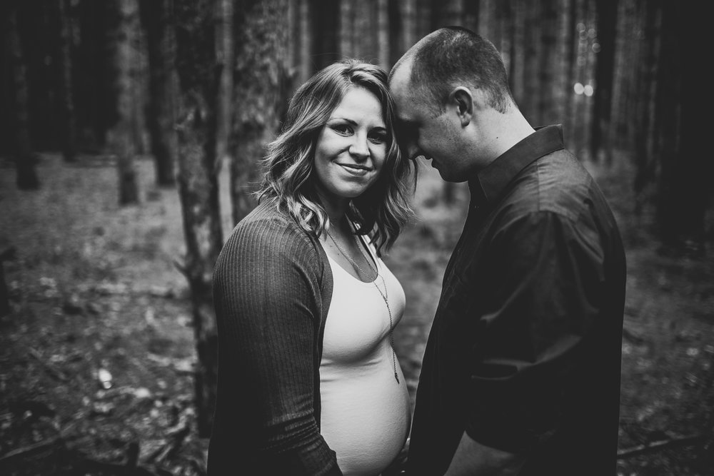 Julianne-Austin-Grand-Rapids-Maternity-Pictures-4548.jpg