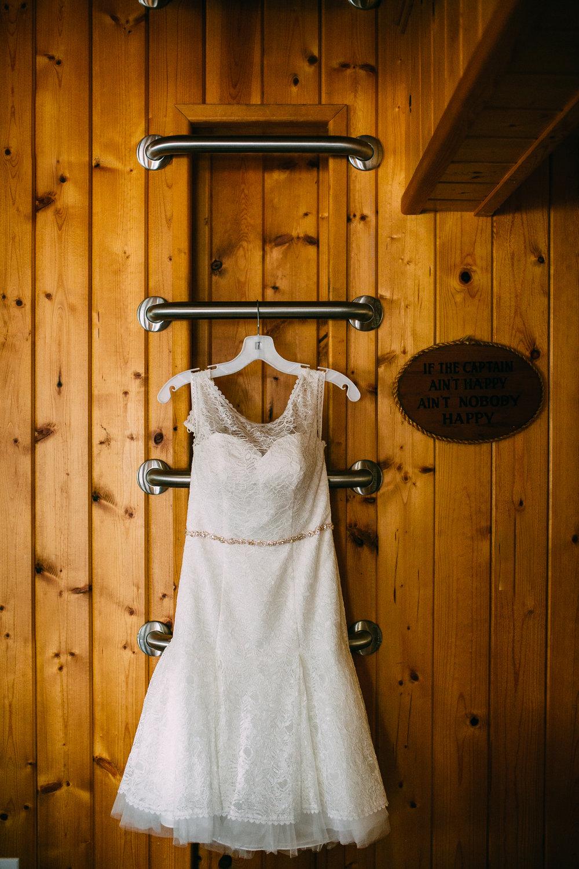 Kate-Paul-Preparations-Michigan-Wedding-Photographer-26.jpg