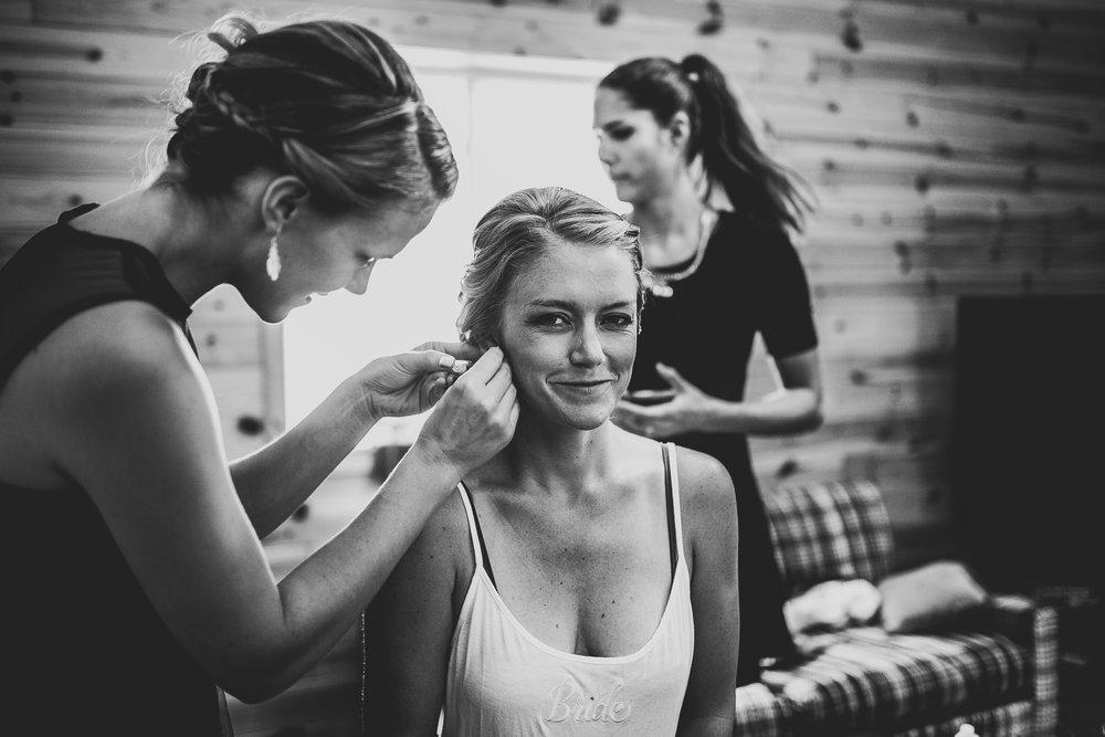Kate-Paul-Preparations-Michigan-Wedding-Photographer-31.jpg