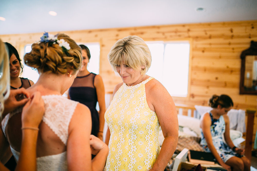 Kate-Paul-Preparations-Michigan-Wedding-Photographer-48.jpg