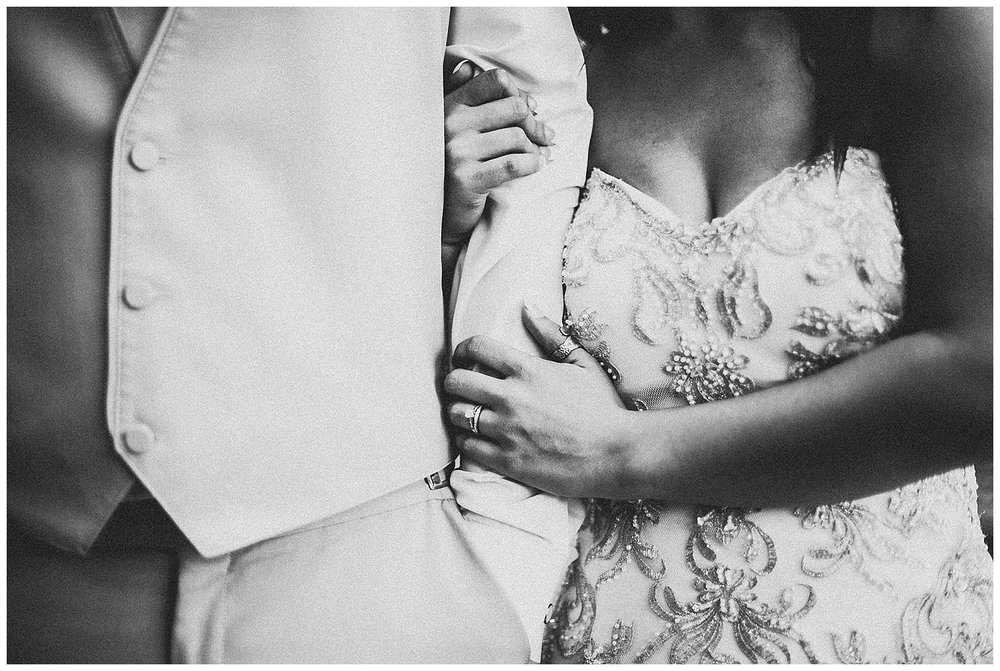 Hallie-Austin-Portraits-Michigan-Wedding-Photographer-320.jpg