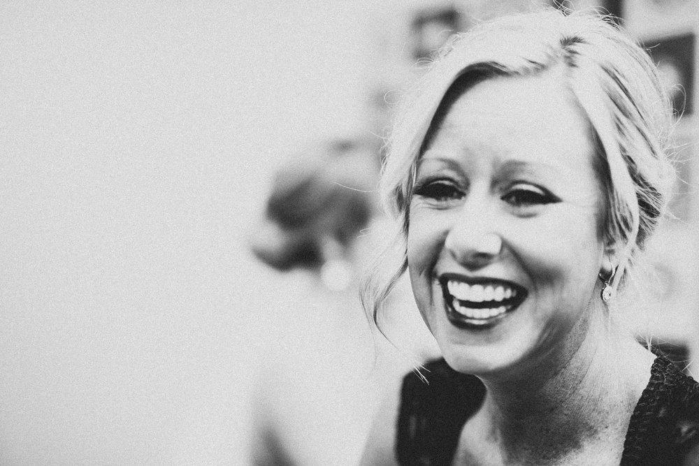 Candice-Ryan-Preparations-Muskegon-Michigan-Wedding-34.jpg