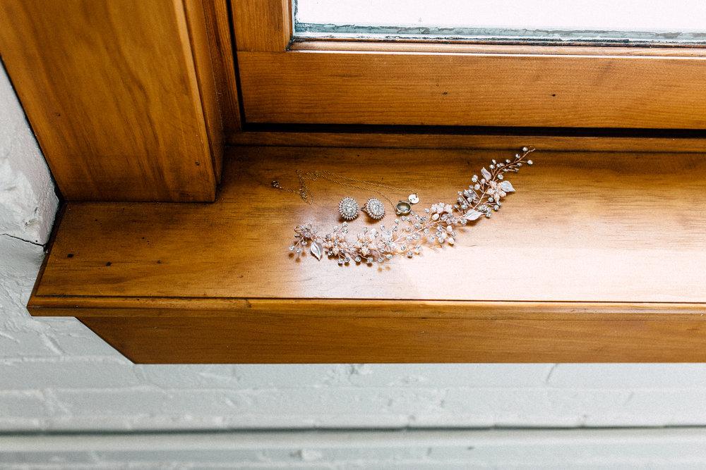 Kayla-Joel-Preparations-Michigan-Wedding-Photographer-8297.jpg