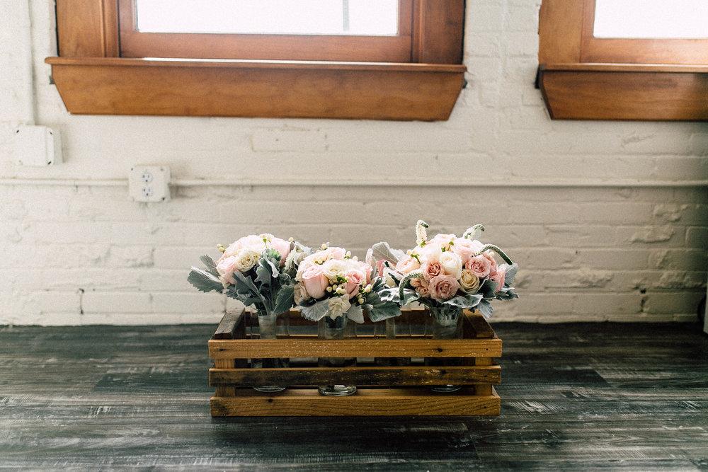 Kayla-Joel-Preparations-Michigan-Wedding-Photographer-8327.jpg