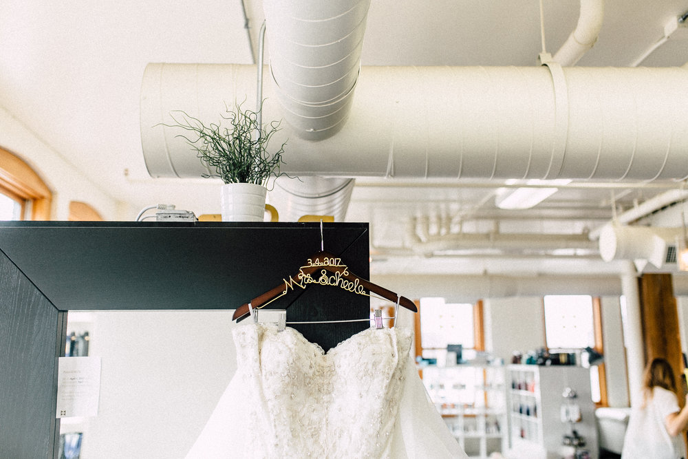 Kayla-Joel-Preparations-Michigan-Wedding-Photographer-8463.jpg