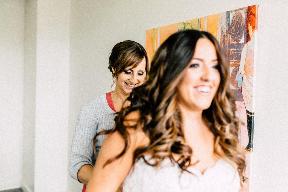 Kayla-Joel-Preparations-Michigan-Wedding-Photographer-8499.jpg