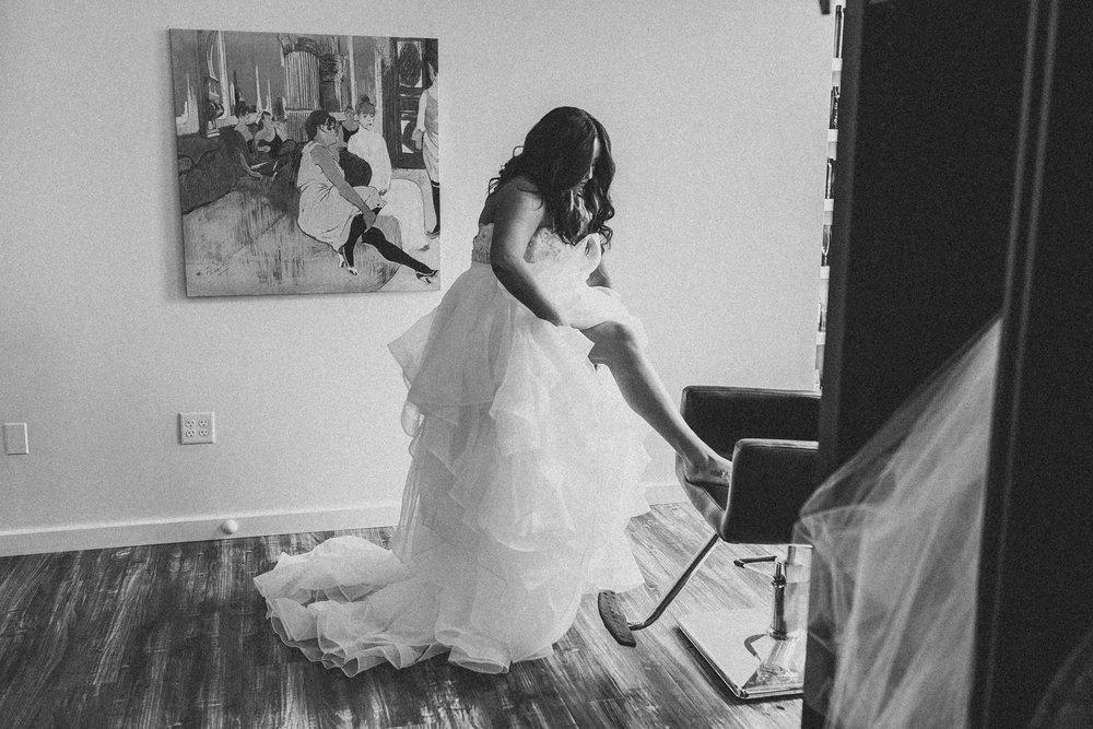 Kayla-Joel-Preparations-Michigan-Wedding-Photographer-8558.jpg