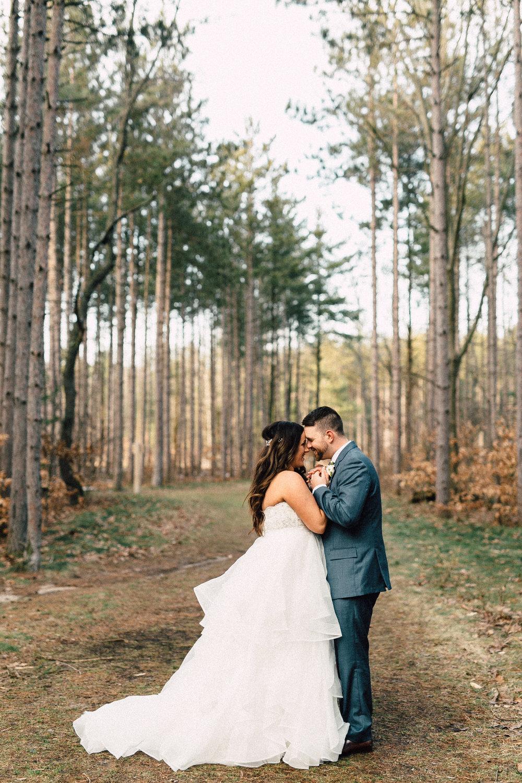 Kayla-Joel-Portraits-Michigan-Wedding-Photographer-404.jpg