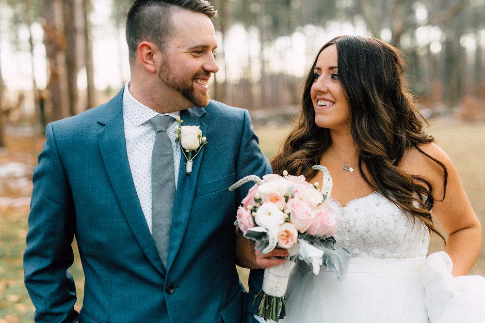 Kayla-Joel-Portraits-Michigan-Wedding-Photographer-415.jpg