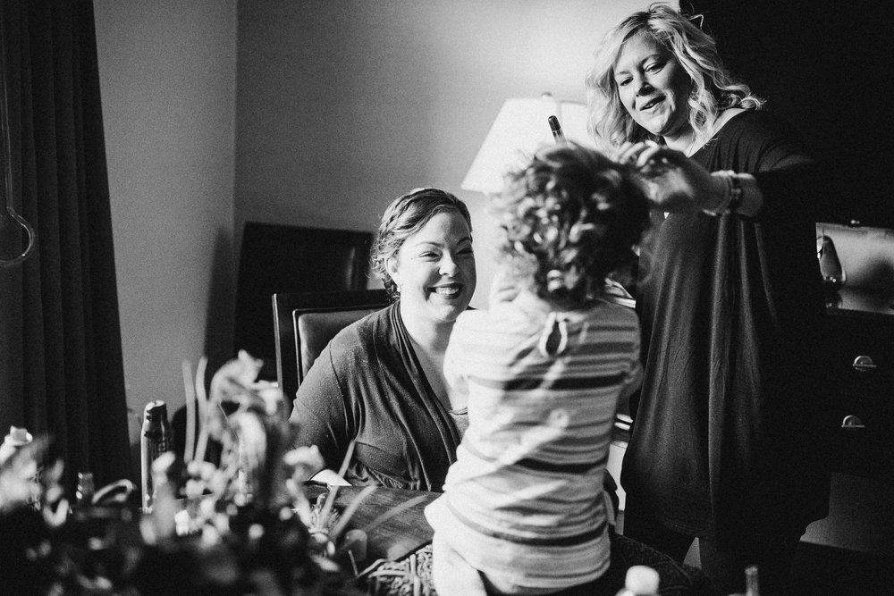 Katie-Nick-Preparations-Grand-Rapids-Wedding-Photographer-7.jpg